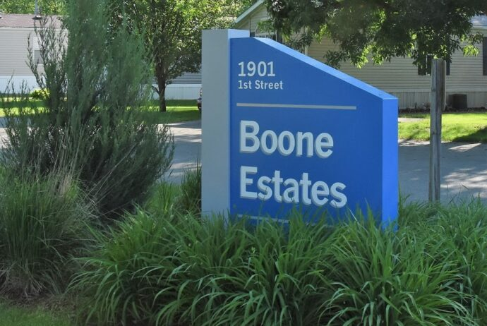 Boone Estate mobile home community sign